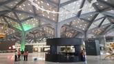 Tampilan stasiun kereta cepat di Jeddah. Nantinya kereta cepat ini juga bisa digunakan transportasi alternatif para peziarah yang biasanya menggunakan bus. (REUTERS/Stephen Kalin)