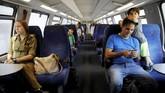 Proyek kereta cepat ini pertama kali direncanakan pada 1990an dan proses pembangunan dimulai pada awal 2008 lalu (REUTERS/Amir Cohen)