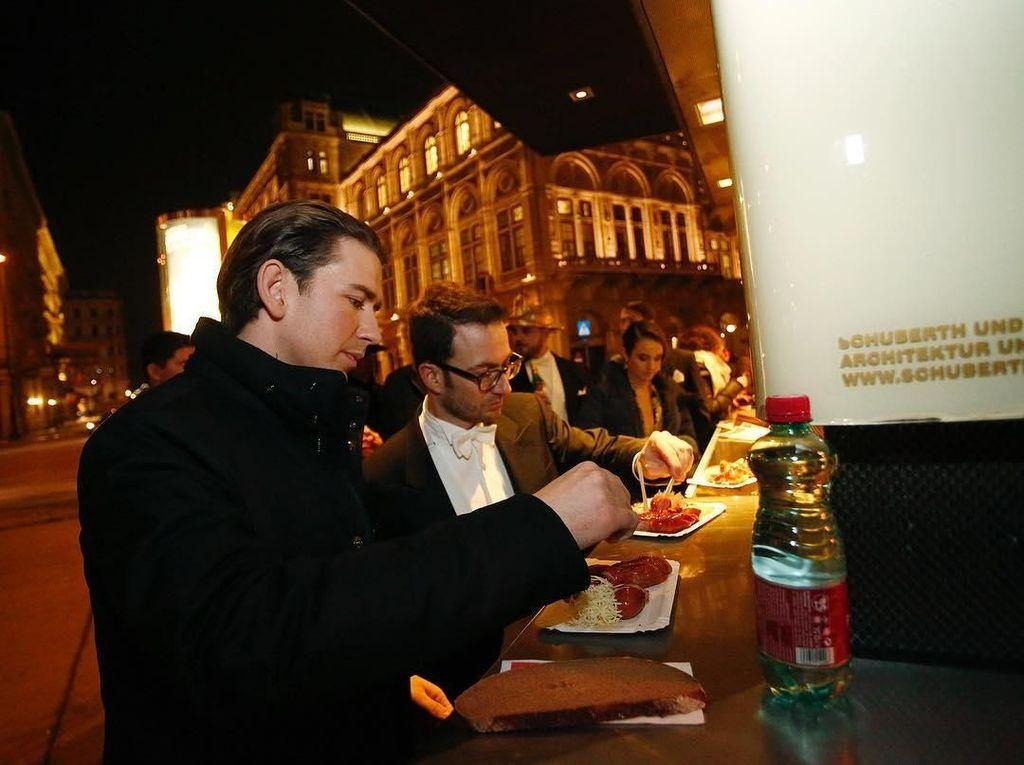 IGaya Kulineran Keren Sebastian Kurz, Presiden Termuda di Dunia