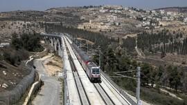 FOTO: Kereta Cepat Israel Beroperasi di Yerusalem