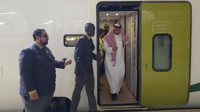 Haramain adalah proyek ini adalah kereta cepat listrik pertama di Arab Saudi yang beroperasi sepanjang 450 km. (REUTERS/Stephen Kalin)