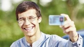 Panduan <i>Selfie</i> dengan KTP untuk Daftar CPNS 2018