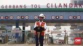 Presiden Joko Widodo meresmikan seksi I Tol Depok-Antasari yang menghubungkan Antasari hingga Brigif sepanjang 5,8 km. (CNNIndonesia/Christie Steafanie)