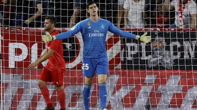 Kiper Real Madrid 'Serang' Diego Simeone
