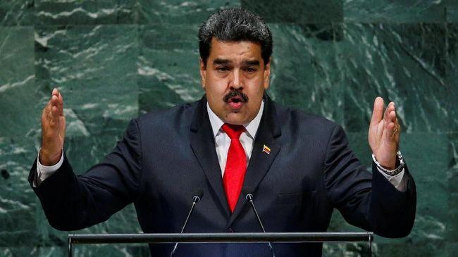 Bawa Petinggi Militer, Nicolas Maduro Muncul di Televisi