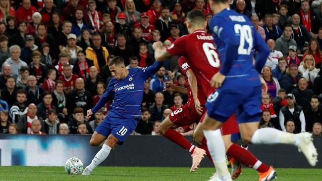 Masuknya Eden Hazard di menit ke-56 menggantikan Willian menjadi petaka bagi The Reds. (Action Images via Reuters/Lee Smith)