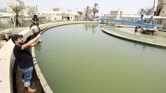 Kota Basra Irak sempat disebut sebagai Venice di Timur Tengah berkat banyaknya kanal-kanal di kota itu. (EUTERS/Essam al-Sudani)