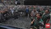 Panglima TNI Marsekal Hadi Tjahjanto menjelaskan pameran ini dibuka untuk mendekatkan TNI dengan rakyatsekaligusmenunjukan bahwa sistem persenjataan TNI sangat modern dan canggih. (CNN Indonesia/Adhi Wicaksono)