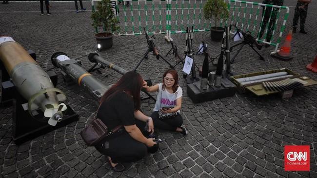 Kegiatan yang juga menampilkan kekuatan dari Korps Bhayangkara ini juga sebagai gambaran bahwa TNI dan Polri memiliki sinergitas yang kuat guna menciptakan kondisi negara yang aman dan damai. (CNN Indonesia/Adhi Wicaksono)
