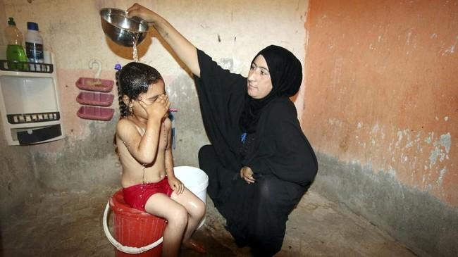Basra tidak memiliki dengan fasilitas pengelolaan air yang efektif. Padahal fasilitas pengelolaan canggih sempat ada pada 1960-an, namun sudah rusak beberapa dekade lalu. (REUTERS/Essam al-Sudani)