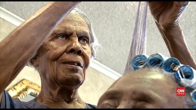 VIDEO: Menunggu Ultah ke-100 untuk Pensiun dari Penata Rambut