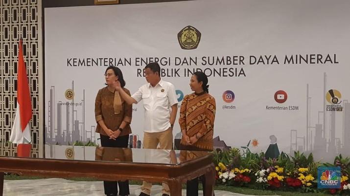 PT Inalum (Persero) sore ini menandatangani perjanjian untuk menuntaskan proses akuisisi 51% saham PT Freeport Indonesia.