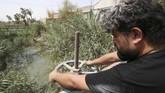 Polusi air sungai itu naik empat kali lipat dalam 10 tahun terakhir.(REUTERS/Essam al-Sudani)