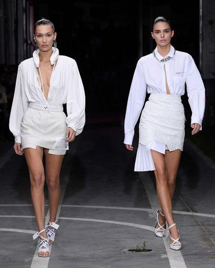 Duel Kendall Jenner dan Bella Hadid di Catwalk Off-White, Seksian Siapa?