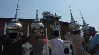 Masjid di Tengah Jalan Tol Semarang-Batang Dibongkar