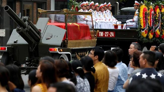 Wakil Presiden Dang Thi Ngoc Thinh akan mengambil alih posisi kepala negara. Ia adalah perempuan pertama di Vietnam yang pernah memegang posisi tersebut. (Reuters/Kham)