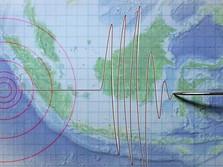 Efek Gempa Bali, Warga Berhamburan Keluar Rumah