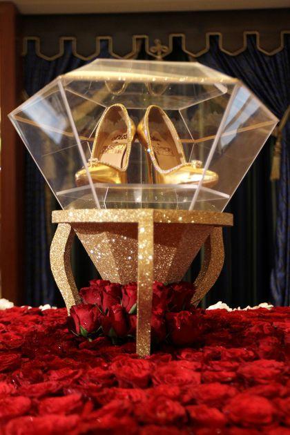 Seperti Ini Bentuk Sepatu Termahal di Dunia Seharga Rp 253 Miliar