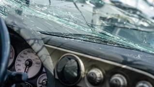 Tabrakan Beruntun di Tol Tangerang, Satu Mobil Hancur