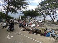 Jalan Raya Serang-Pandeglang Putus Akibat Tsunami Banten