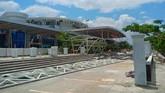 Bandara Mutiara Sis Al Jufri, Palu diketahui rusak akibat gempa dan harus ditutup sementara untuk layanan pesawat komersial. Landasan pacu di bandara ini dilaporkan rusak sepanjang 500 meterdari 2.500 m.(ANTARA FOTO/Rolex Malaha)