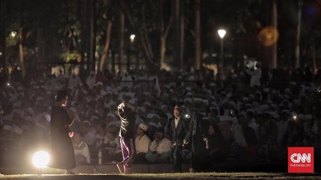 FPI mengklaim acara ini dihadiri 200 ribu orang dari berbagai daerah. Gubernur DKI Jakarta Anies Baswedan turut diundang dalam acara ini, namun dia tak datang karena harus menjadi penguji promosi doktor di luar Jakarta.