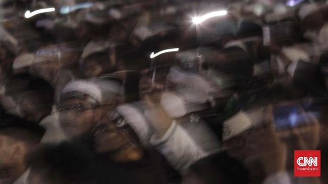 FPI Ungkap Alasan Bagi Buku PKI di Doa Bersama untuk Rizieq