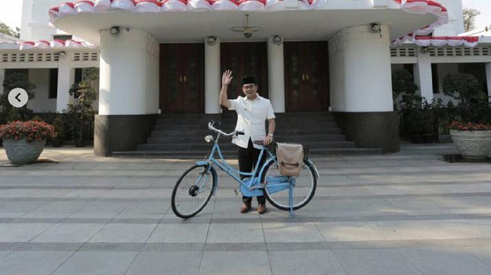 Ridwan Kamil luncurkan Luna Project untuk mengubah sampah kota menjadi bahan bakar pengganti batu bara.