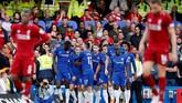 Ini merupakan gol kedua Eden Hazard ke gawang Liverpool pekan ini setelah sebelumnya kedua tim bersua di Piala Liga Inggris. Tengah pekan lalu, Chelsea menang 2-1 di Anfield. (REUTERS/David Klein)