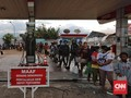 Warga Palu Antre Bantuan Logistik di Posko Korem 132/Tadulako