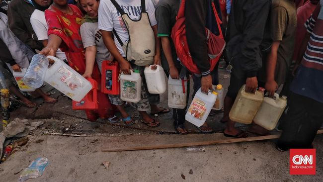 BPH Migas Imbau Korban Gempa Palu Tak Beli BBM Pakai Jeriken