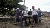 Korban tewas saat ini mencapai 832 orang. Sementara 540 orang dikabarkan terluka dan 17 ribu lainnya mengungsi. (AFP PHOTO/OLA GONDRONK)