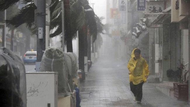 Topan Faxai Terjang Jepang, Listrik hingga Kereta Terganggu