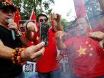 Perang Dagang Memanas, Demonstran China Bakar Apple iPhone