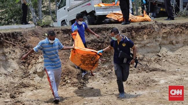 Badan Nasional Penanggulangan Bencana hingga Senin (1/10) mencatat jumlah korban akibat gempa di Sulawesi Tengah mencapai 844 orang. (CNN Indonesia/Adhi Wicaksono)