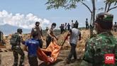 18 jasad korban tersebut berasal dari RS Bhayangkara Palu. Mereka adalah korban meninggal pascagempa dan tsunami di Palu, Sulawesi Tengah. (CNN Indonesia/Adhi Wicaksono)