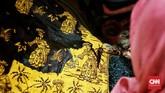 Motif Batik Betawi juga banyak dipengaruhi oleh budaya Arab, India, Belanda, dan Cina. (CNN Indonesia/Andry Novelino)