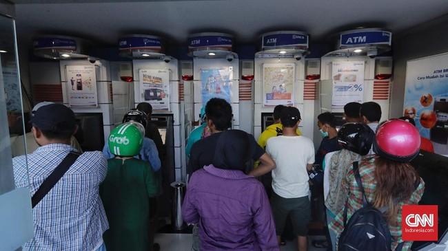 BRI menjadi bank BUMN pertama yang bisa beroperasi di Palu pasca gempa. Hingga saat ini masih terus mempercepat proses pemulihan jaringan kantor dan layanan digital perbankan.(CNNIndonesia/Adhi Wicaksono).