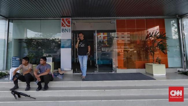 Selain memperbaiki ATM, Himbara juga mengirimkan bantuan makanan dan kebutuhan dasar untuk para korban bencana gempa dan tsunami di Palu dan sekitarnya.(CNNIndonesia/Adhi Wicaksono).