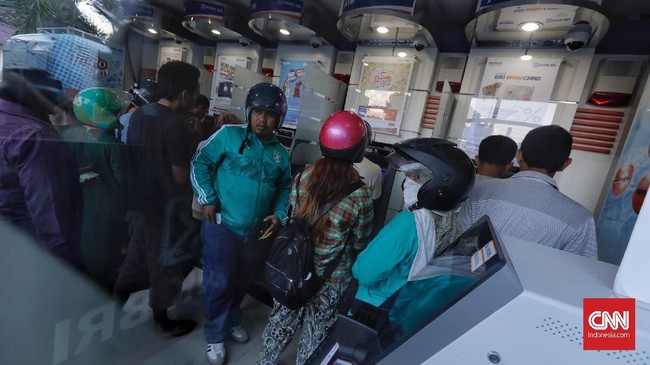 Pelayanan perbankan BNI juga diperkuat oleh 22 mesin anjungan tunai mandiri (ATM), yaitu delapan unit di Kota Palu dan 14 unit di Parigi.(CNNIndonesia/Adhi Wicaksono).