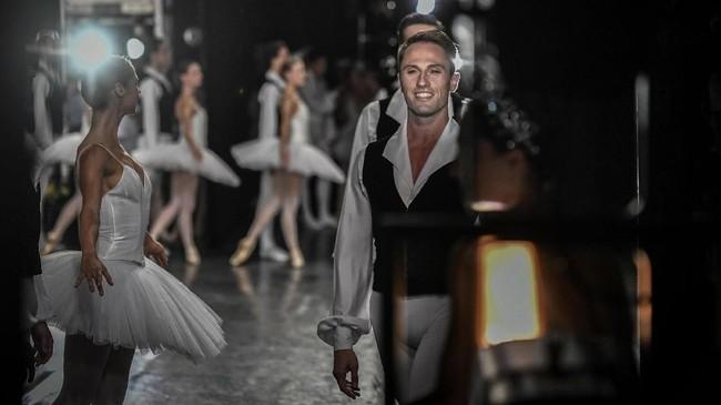 Paris Opera Ballet menggelar 180 panggung tari balet setiap tahunnya.