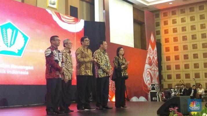Menteri Keuangan Sri Mulyani Indrawati memaparkan banyaknya tantangan yang dihadapi Indonesia pada paruh kedua 2018 ini.
