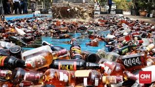 18 Ribu Botol Miras dari Warung Jamu dan Diskotek Dimusnahkan