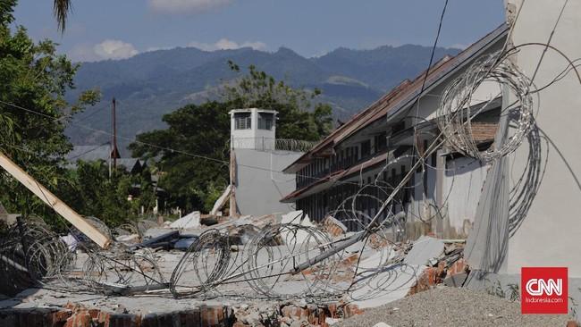 Dirjen PAS Kemenkumham menegaskan jika sepekan setelah gempa pada 28 September lalu tahanan tak menyerahkan diri, mereka akan diburu dengan tegas. (CNN Indonesia/Adhi Wicaksono)