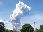 Penampakan Erupsi Gunung Soputan Pagi Ini