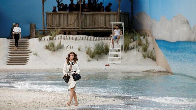 'Mantra Gaya' Chanel di Tepi Pantai Sylt