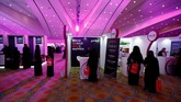 Arab Saudi menggelar bursa kerja 'Step Ahead Career Fair' untuk perempuan di Riyadh, awal pekan ini (30/9). (REUTERS/Stringer)