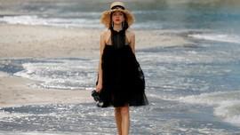 FOTO: Indahnya Musim Panas Chanel di Pantai Sylt