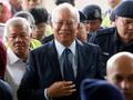 Dituding Swafoto Saat Sidang, Najib Berdalih Hanya Bercermin