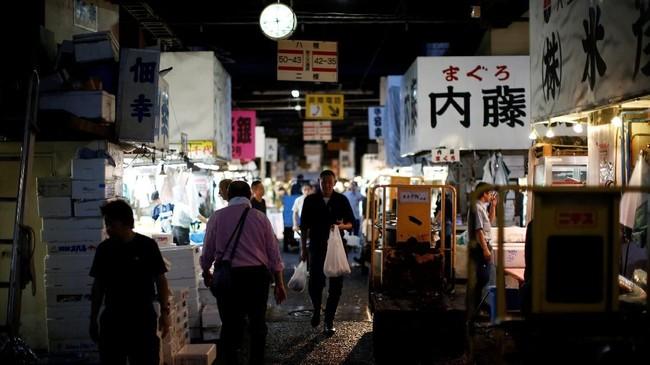Fasilitas tambahan untuk wisatawan di Pasar Toyosu juga akan ditambah seperti pemandian air panas, dan menambah jumlah toko, restoran, serta hotel.